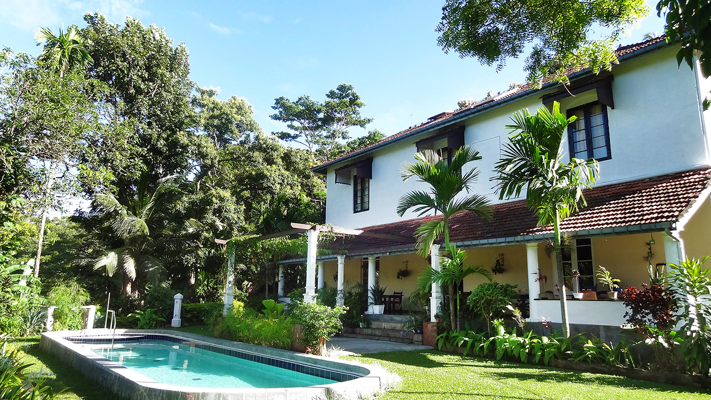 Strathisla guest house tea estate accommodation in sri lanka - Bungalows with swimming pool in sri lanka ...