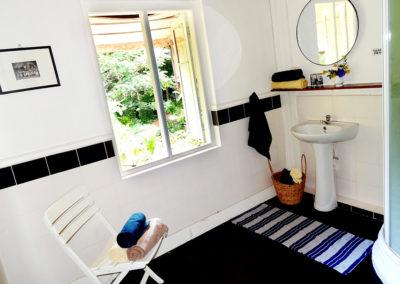 Suriya Bathroom